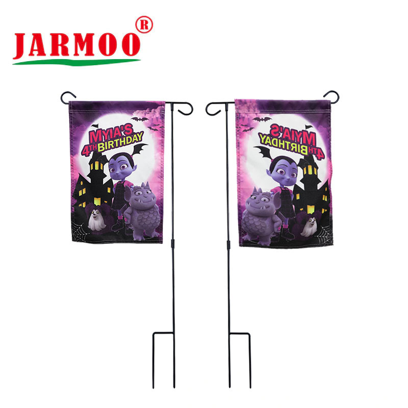 High Quality 300D Nylon Fabric Custom Design Decorative Garden Flag with Pole